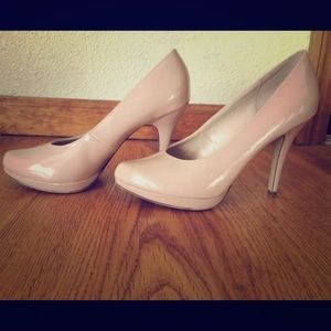 ZARA Classic Nude Heels - Size 9